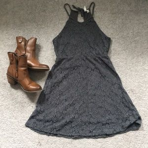 Cute lace detail dress!